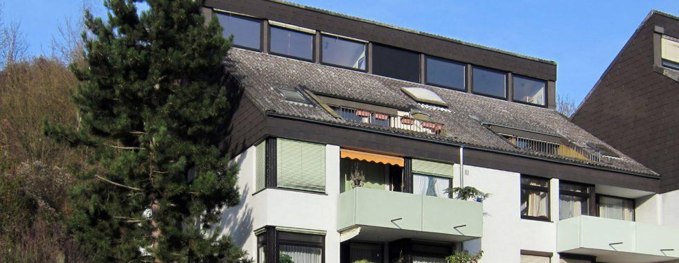 4-Zimmer Eigentumswohnung mit Balkon und Terrasse unterhalb der Weinberge
