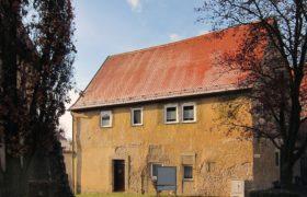 """Denkmal geschütztes Wohnhaus mit Nebengebäude im """"Weinort am Main"""""""