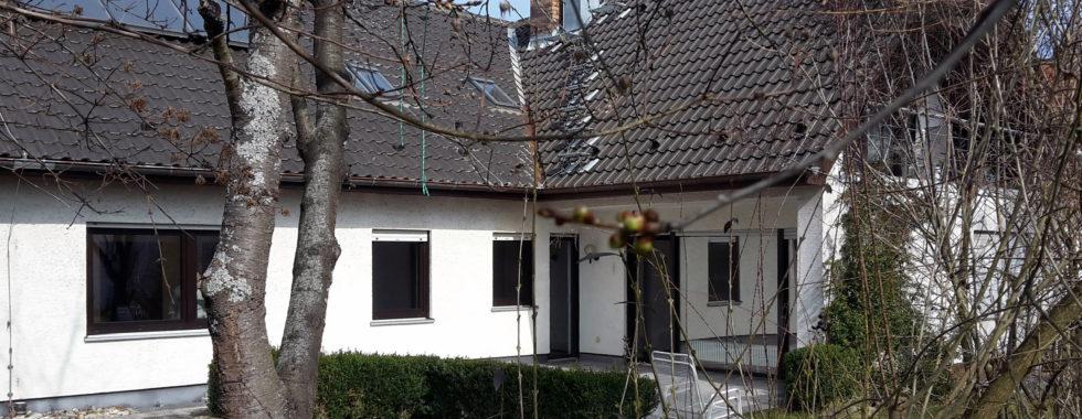 Großzügiges 2-Familien-Haus am Rand des schönen Weinortes Sulzfeld