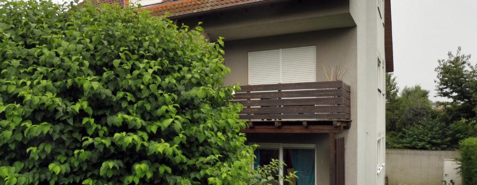 Geräumige 2-Zimmer-Eigentumswohnung mit Terrasse in Hettstadt!
