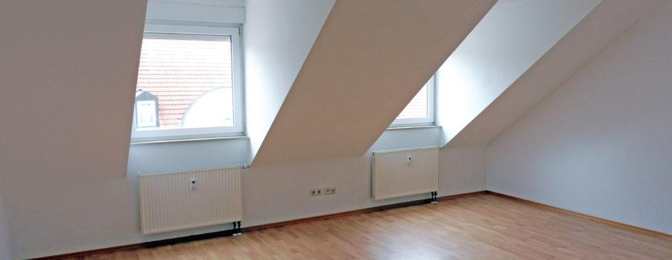 Helle und gut konzipierte 4,5-Zimmer-Eigentumswohnung in ruhiger Lage!